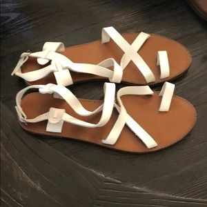 White Leather Strappy Flat Sandals Size 9 NWOT